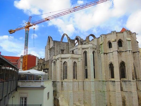 23_Blick-vom-Elevador-de-Santa-Justa-zur-Baustelle-Museu-Arqueologico-do-Carmo-Lissabon-Portugal