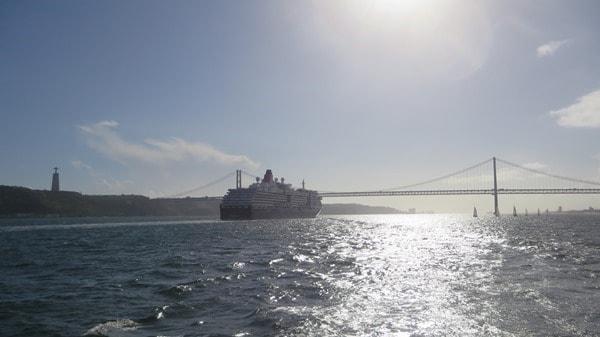 28_Queen-Victoria-Christo-Rei-Haengebruecke-Tejo-Lissabon-Portugal