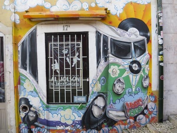 91_Graffiti-Plattenladen-Lissabon-Portugal