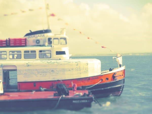 98_Kacheln-Schiff-Touristenboot-Lissabon-Portugal