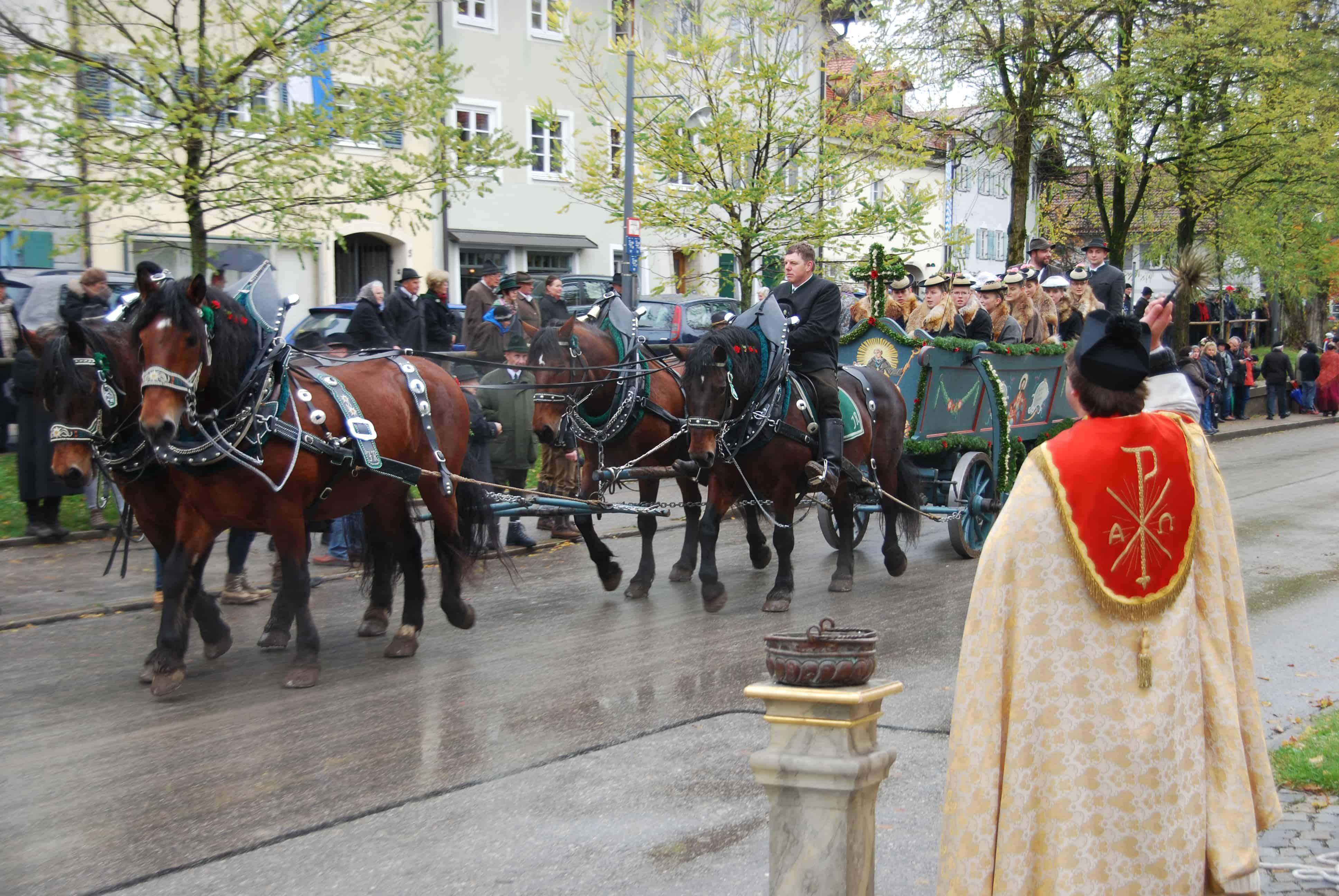 00_Leonhardi-Wallfahrt-Bad-Toelz-Oberbayern-Bayern-Segnung