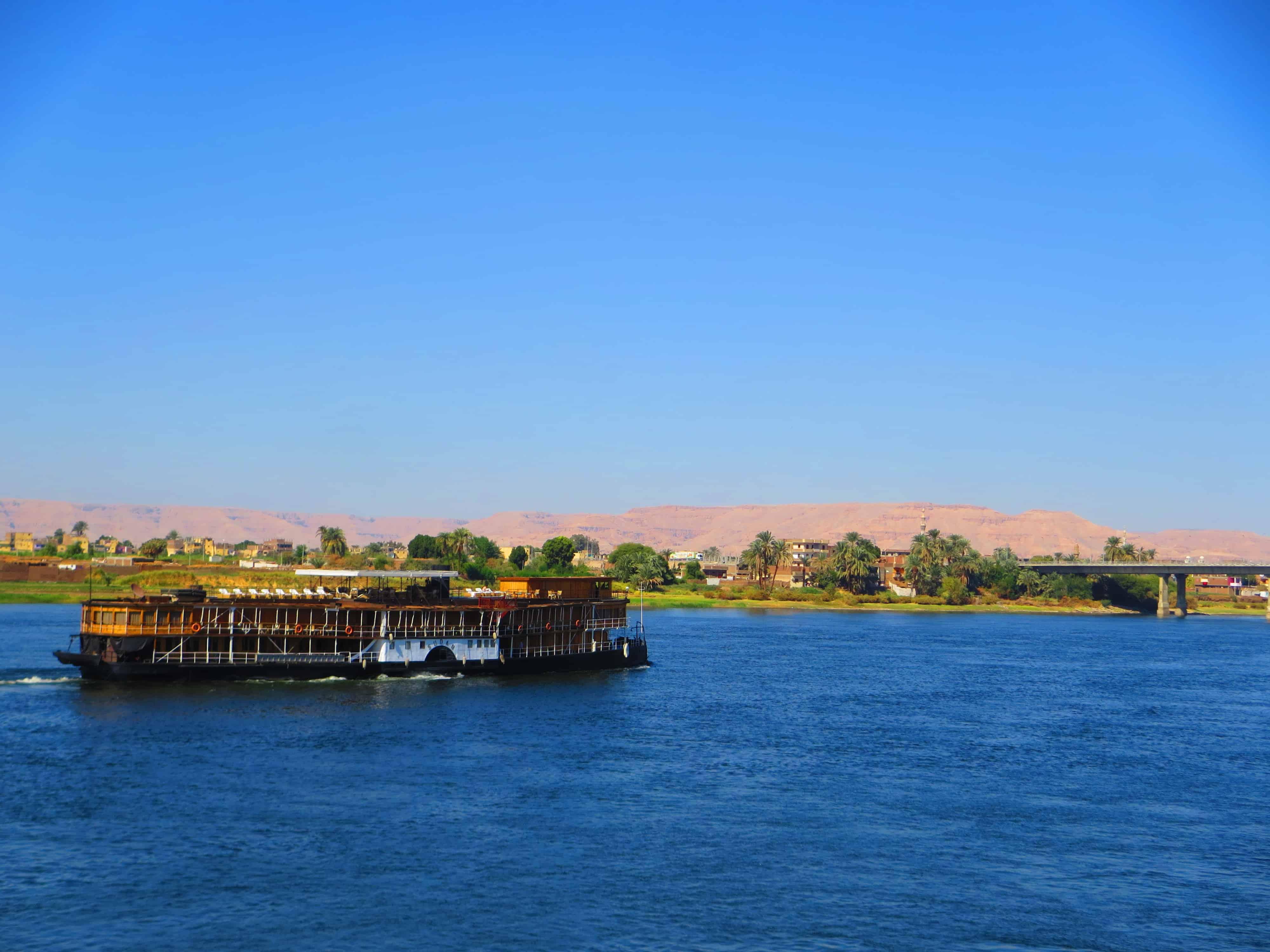 00 Nilkreuzfahrtschiff SS Sudan Luxor Nilkreuzfahrt Aegypten