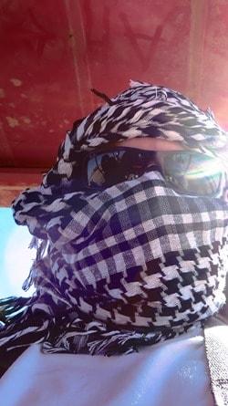 03_Reiseblogger-Daniel-Dorfer-Aegypten-Hurghada-Selfie-vermummt