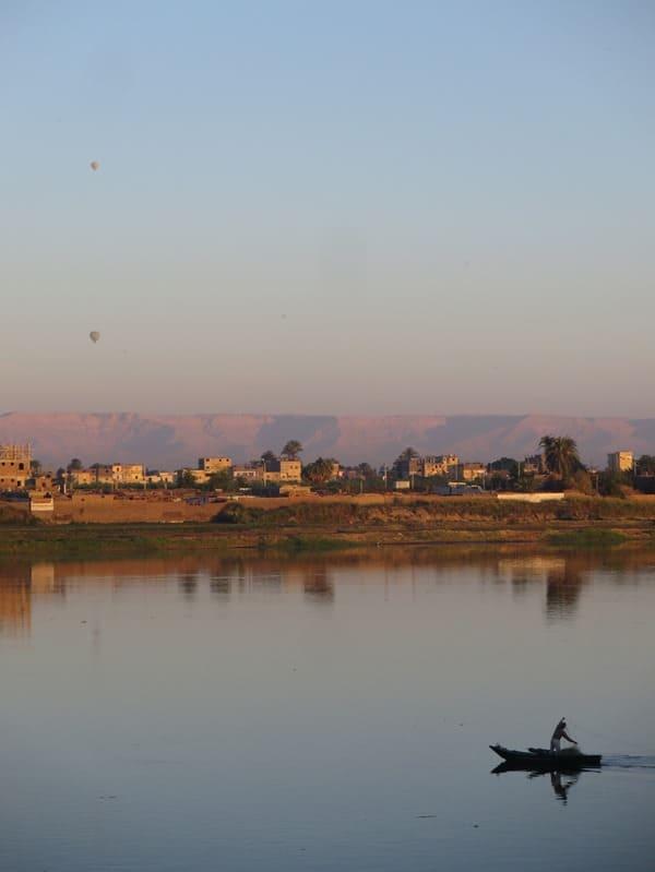 05_Sonnenaufgang-Nil-Luxor-Balloon-Fischer-Nilkreuzfahrt-Aegypten