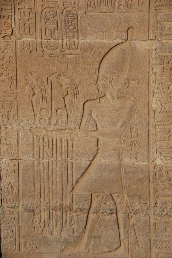 06_Relief-Pharao-Doppeltempel-Kom-Ombo-Nilkreuzfahrt-Nil-Aegypten