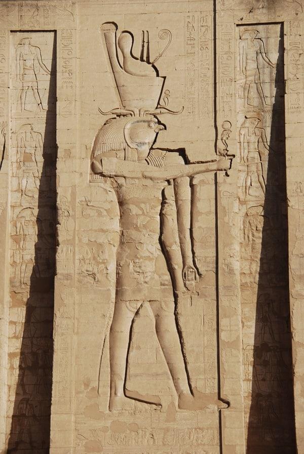 08_Relief-am-Horus-Tempel-Edfu-Aegypten-Nil-Nilkreuzfahrt