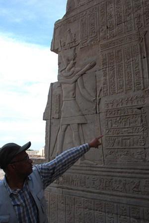 10_Guide-Hammad-Doppeltempel-Kom-Ombo-Nilkreuzfahrt-Nil-Aegypten