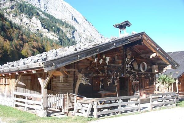 14_Herbst-Karwendel-Almhuette-Eng-Tirol-Oesterreich