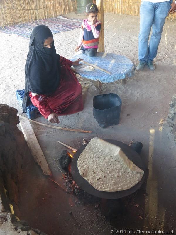18_Fladenbrot-bei-Beduinen-Wueste-Hurghada-Aegypten