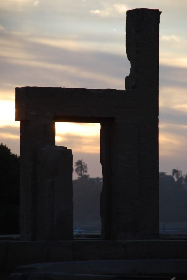 19_Ruine-Sonnenuntergang-Doppeltempel-Kom-Ombo-Nilkreuzfahrt-Nil-Aegypten