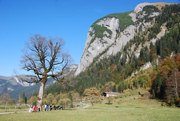20_Herbst-Karwendel-Almdorf-Eng-Tirol-Oesterreich