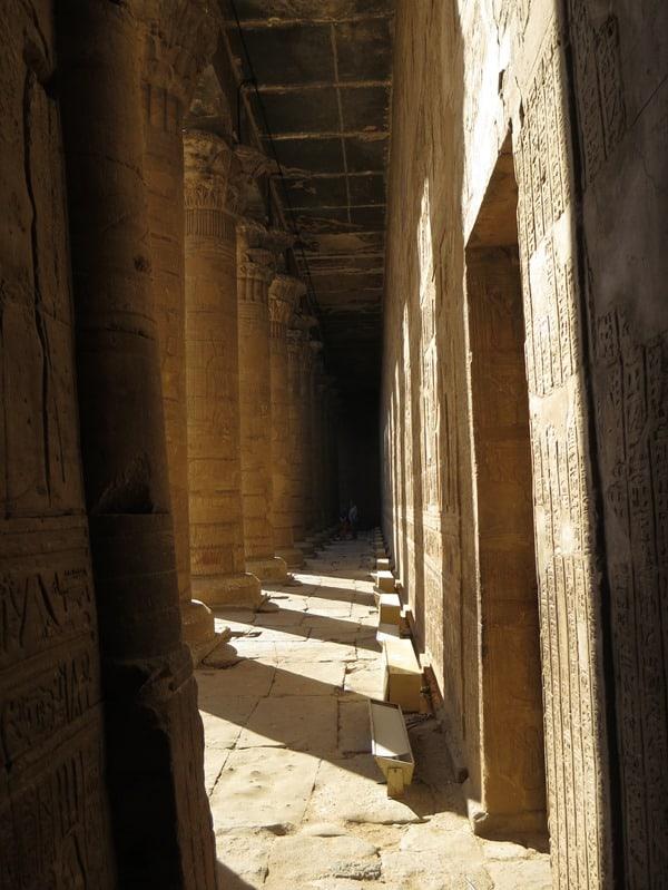 23_Sauelen-im-Horus-Tempel-Edfu-Aegypten-Nil-Nilkreuzfahrt