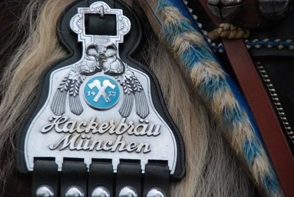 27_Sponsor-Hackerbraeu-Muenchen-Bad-Toelz-Leonhardi-Wallfahrt-Oberbayern-Bayern