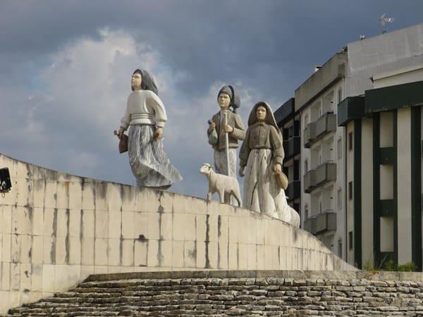 01_Hirtenkinder-Wallfahrtsort-Fatima-Portugal