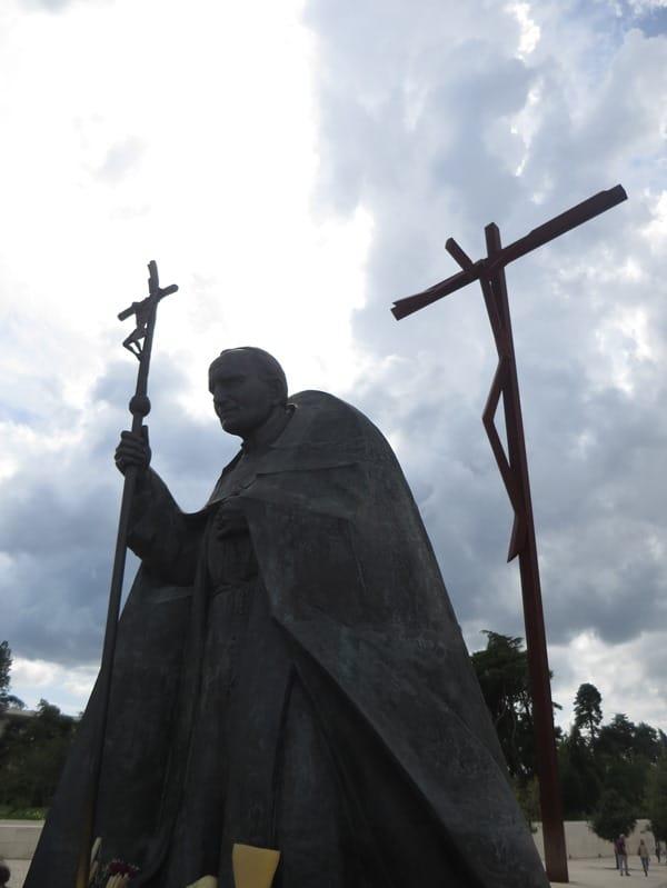 03_Papst-Johannes-Paul-II-Christlicher-Wallfahrtsort-Fatima-Portugal