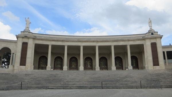 07_Seitenfluegel-Basilica-Antiga-Santuario-de-Fatima-Portugal