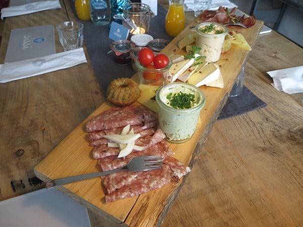 09_Brotzeitbrettl-Fruehstueck-Cafe-Sissi-Tegernsee