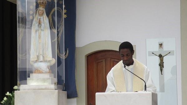 12_Heilige-Messe-Jungfrau-Maria-Fatima-Portugal
