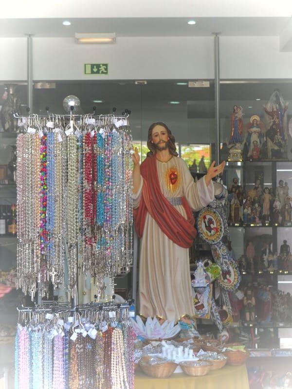 21_Jesus-Maria-Andenkenladen-Fatima-Portugal