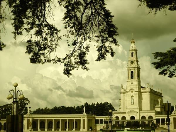 23_Basilica-Antiga-Santuario-de-Fatima-Portugal