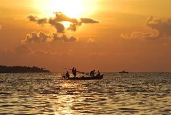 Reiseziel-Februar-Malediven-Sonnenuntergang