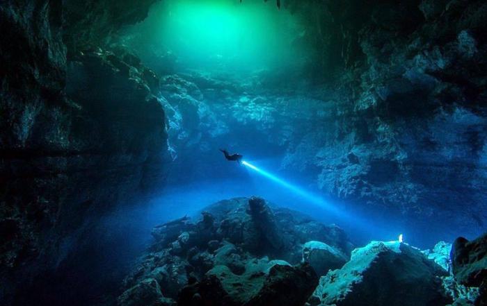 00 Tauchen Lieblingsfoto The Pit Mexiko www.Cenote Diving.com
