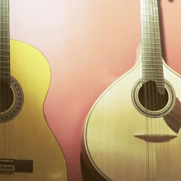06_Citytrip-Lissabon-Fado-Gitarren-Cascais-Portugal