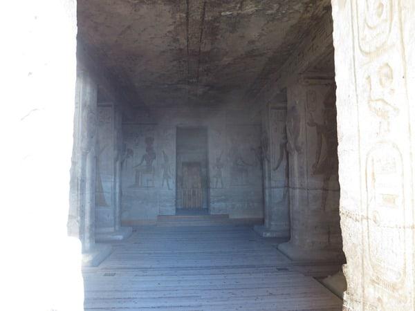 07_Einblick-Abu-Simbel-Hathor-Tempel-Aegypten-Nilkreuzfahrt