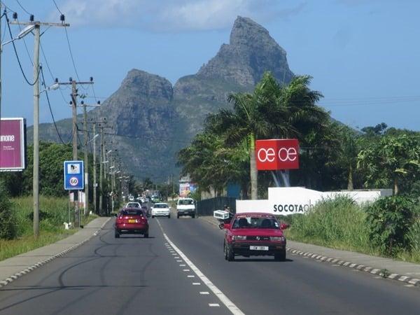 01_Auf-dem-Weg-vom-Flughafen-zum-Hotel-Mauritius
