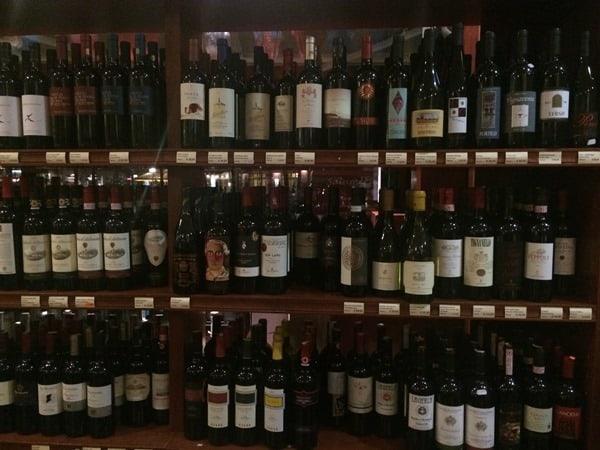 21_Salumeria-da-Pino-Weinauswahl