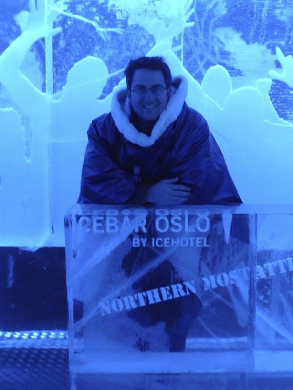 Urlaubs-Hossi-im-Eishotel-Oslo