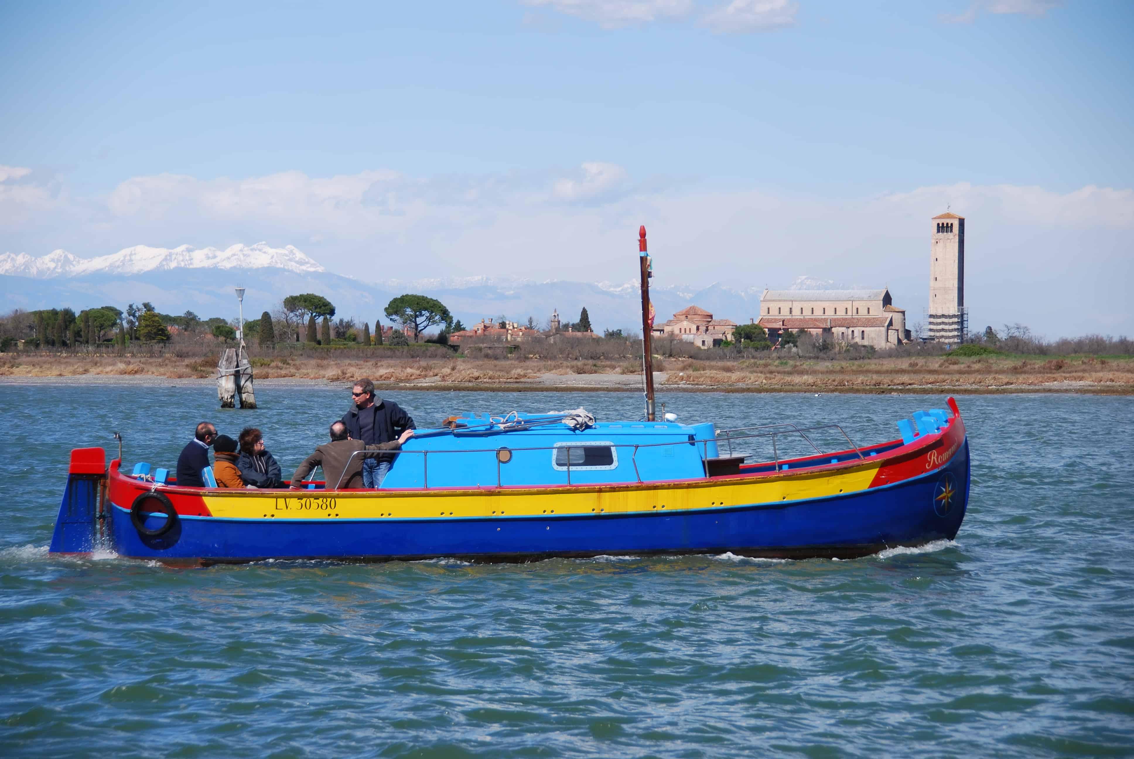 00_buntes-Boot-Torcello-Burano-Venedig-Italien