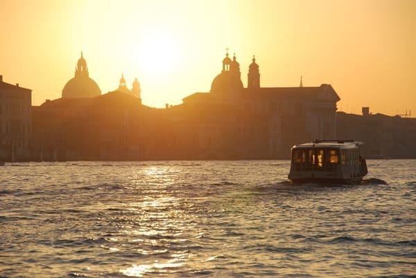 01_Sonnenaufgang-in-Venedig-Italien