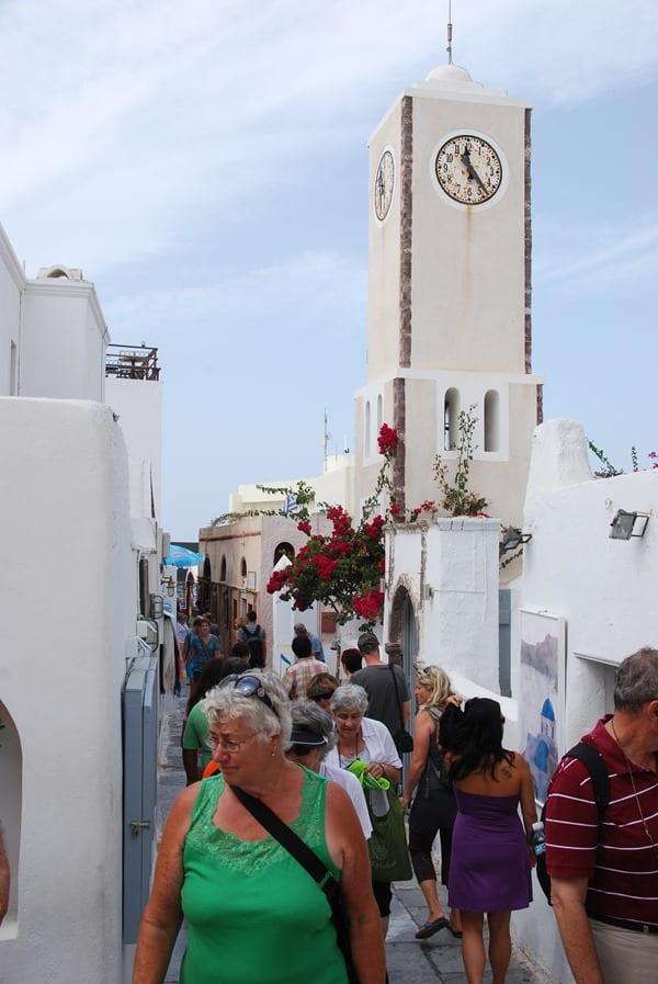 04_In-den-Gassen-von-Oia-Ia-Santorin-Griechenland-Kykladen
