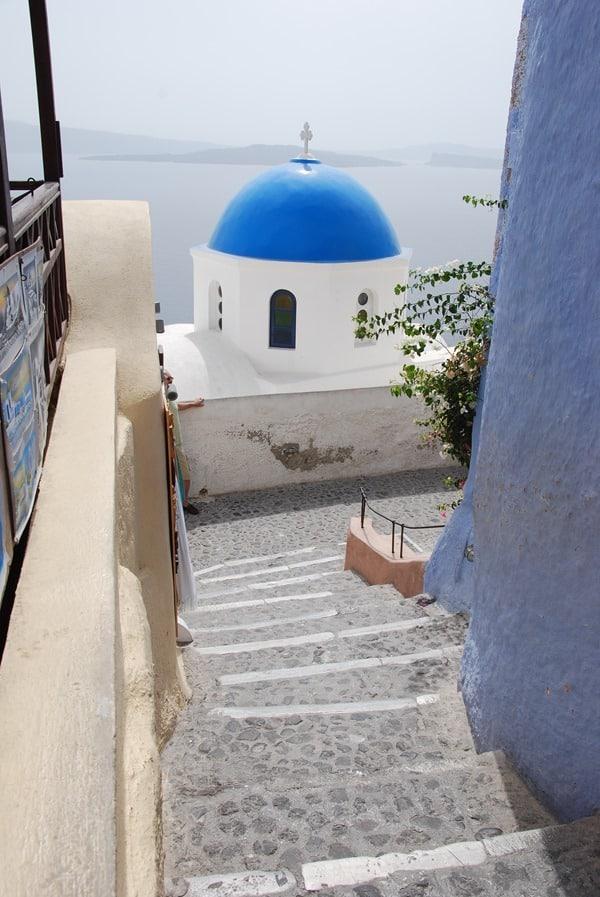 05_In-den-Gassen-von-Oia-Ia-Santorin-Griechenland-Kykladen