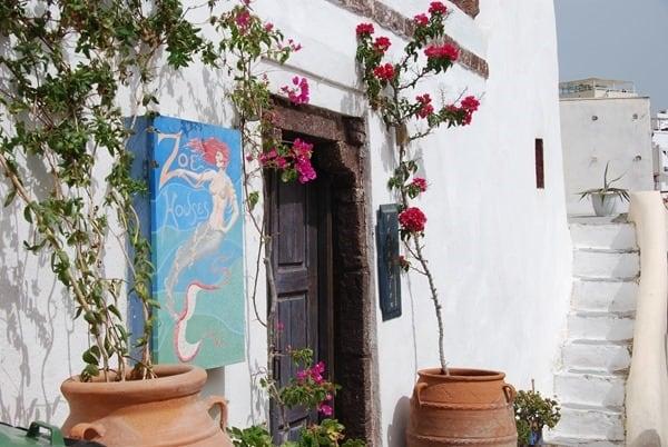 06_In-den-Gassen-von-Oia-Ia-Santorin-Griechenland-Kykladen