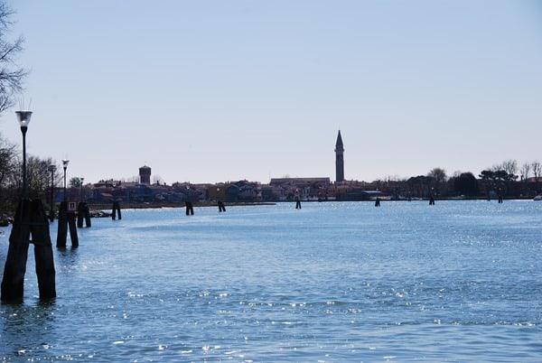 10_Blick-von-der-Anlegestelle-Torcello-nach-Burano-Venedig-Italien