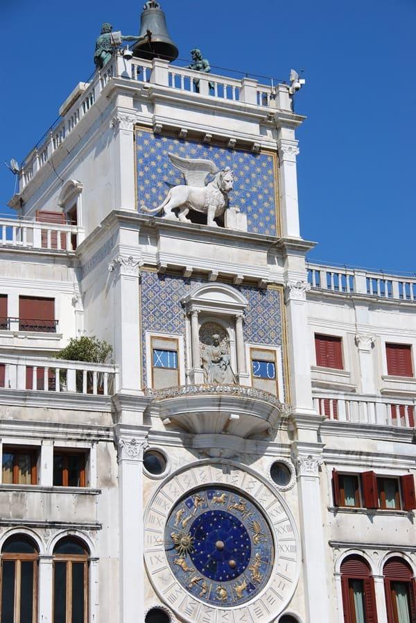10_Torre-dell'Orologio-astrnomische-Uhr-Markusplatz-Venedig-Italien