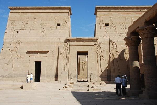 11_Pylon-Isis-Tempel-von-Philae-Assuan-Aegypten-Nilkreuzfahrt