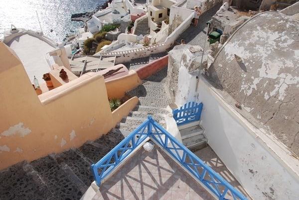 14_In-den-Gassen-von-Oia-Ia-Santorin-Griechenland-Kykladen