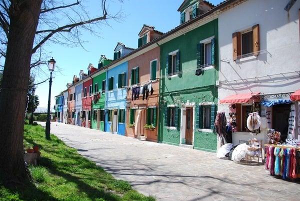 15_Bunte-Haeuser-von-Burano-Venedig-Italien