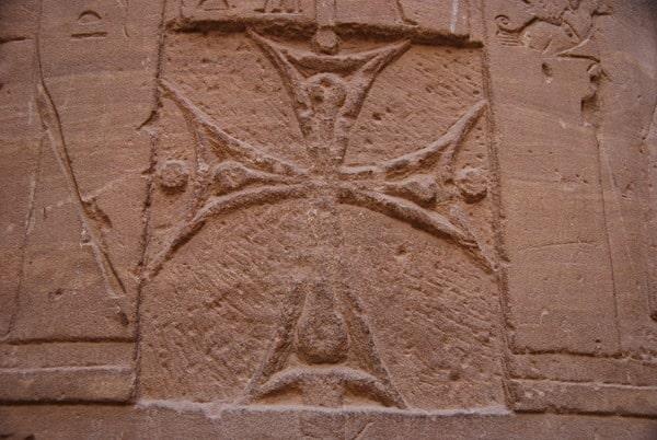 15_Christliche-Symbole-im-Tempel-von-Philae-Assuan-Aegypten-Nilkreuzfahrt
