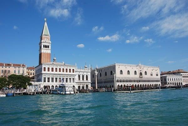 15_Markusplatz-Dogenpalast-Markusturm-Venedig-Italien