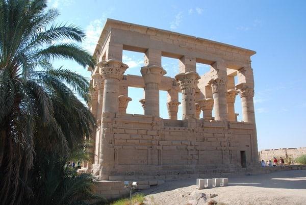 19_Trajan-Kiosk-des-Augustus-Philae-Tempel-Assuan-Aegypten-Nilkreuzfahrt