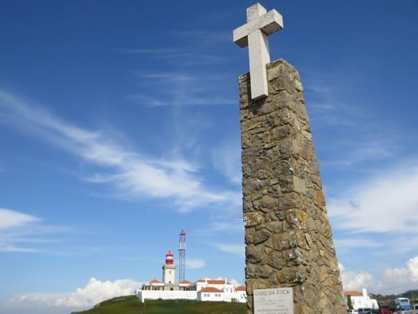 11_Westlichster-Punkt-Europas-Leuchtturm-Faro-Cabo-da-Roca-Kreuz-Portugal