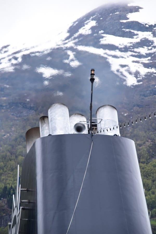 02_MSC-Sinfonia-Kamin-Geirangerfjord-Norwegen
