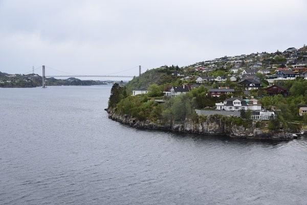 05_Einlaufen-Bergen-Norwegen-Fjord