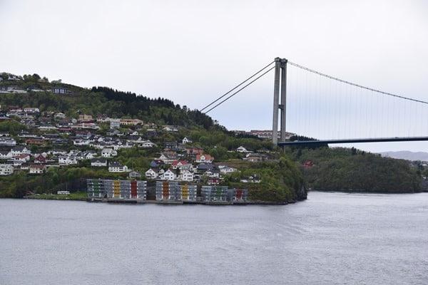 06_Einlaufen-Bergen-Norwegen-Fjord