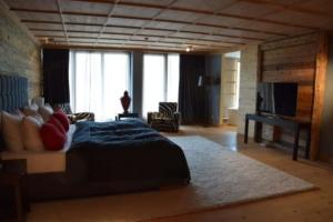 0_Master-Suite-Penthouse-Kempinski-Hotel-Das-Tirol-Kitzbuehel