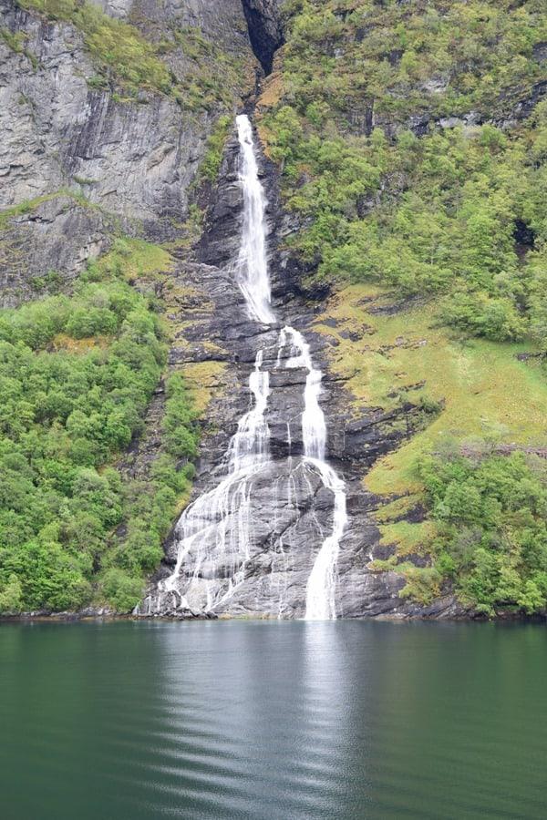 10_Wasserfall-Geirangerfjord-Norwegen